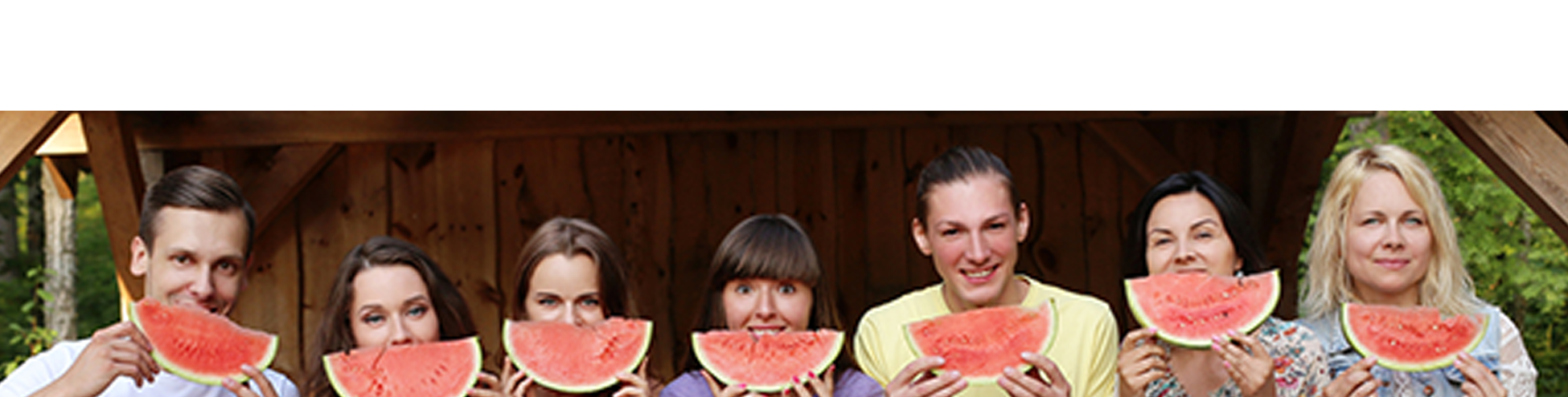 Teambuilding group eating watermelons
